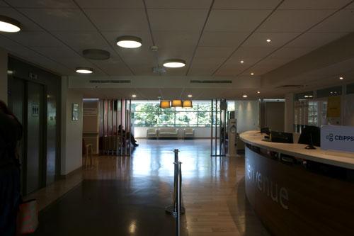 Accueil intérieur de l'hôpital privée Antony